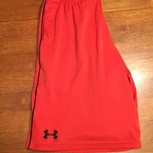 Youth L Under Armour dry fit shorts in orange/Blk